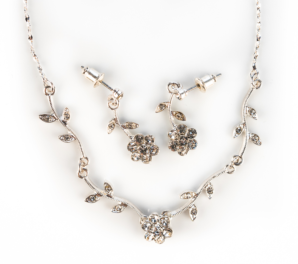 Silver Floral Necklace Set