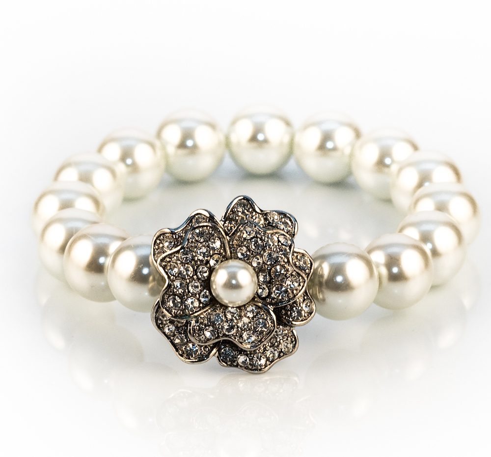 Pearl Rose Bracelet With Rhinestones