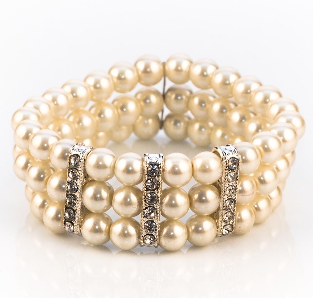 Elegant Ivory Pearl Stretch Bracelet